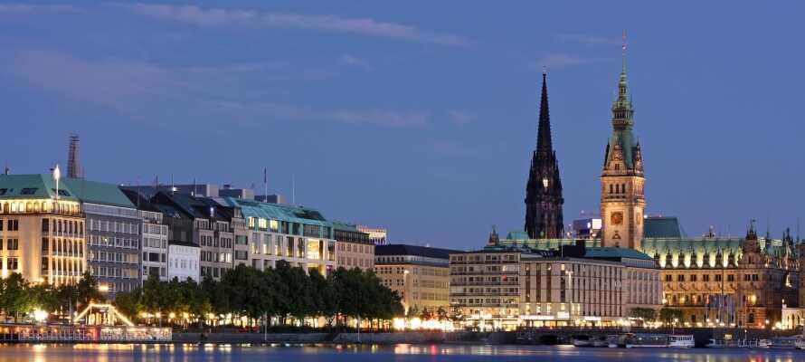 Dere har et supert utgangspunkt for opplevelser i Hamburg bare 15 minutter med offentlig transport til sentrum