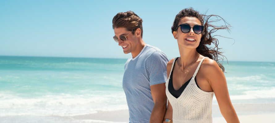 Das Hotel ist für pure Entspannung nahe der Promenade und dem schönen weißen Sandstrand konzipiert.