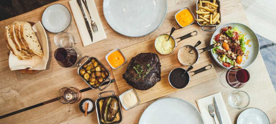 Nyd en lækker 2-retters menu hver aften i hotellets restautant Bovi Bar & Grill