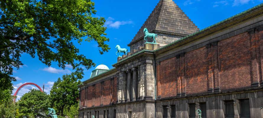 Ni hittar konstmuseet Carlsberg Glyptotek endast ett par meter från hotellet