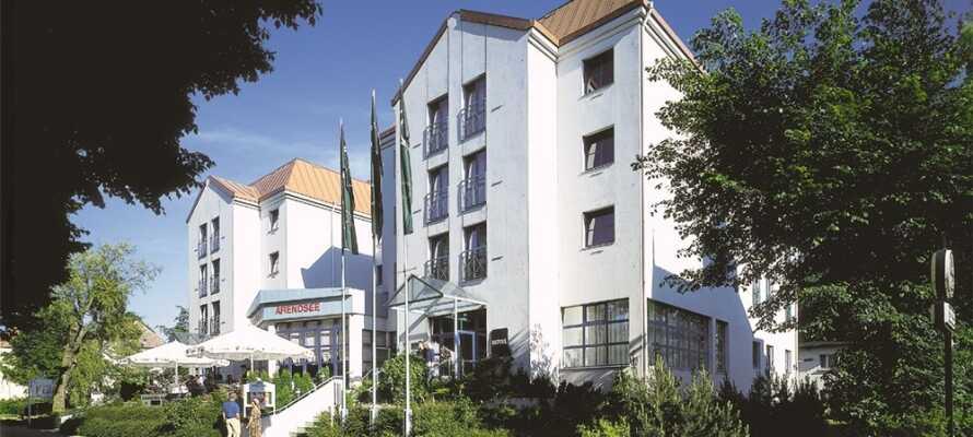 Morada Hotel Arendsee har ett suveränt läge vid strandpromenaden i den populära badorten, Kühlungsborn.
