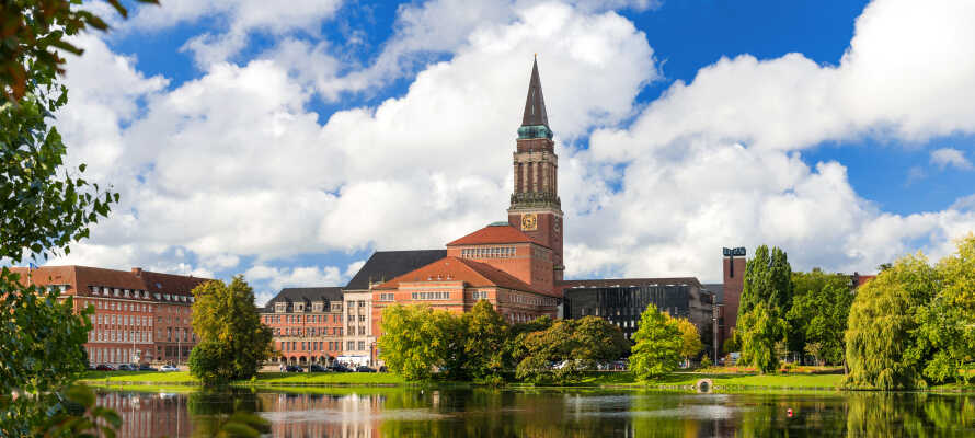 Boka en härlig semester i Kiel med boende på Hotel am Kieler Schloss som ligger nära Kielfjorden och stadens slott