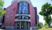 Varmt välkomna till Arthotel ANA Hafencity, centralt beläget strax utanför stadens innersta centrum.