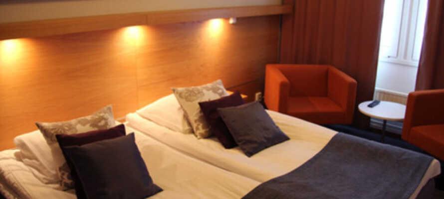 Här blir ni inkvarterade i moderna och bekvämt inredda rum.