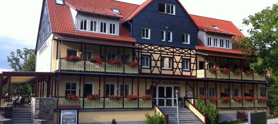Kurhotel Bad Suderone har en idyllisk beliggenhed i det nordlige Harz, tæt på UNESCO-listede Quedlinburg.