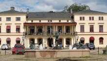 Lindesbergs Stadshotell ønsker dere velkommen til Bergslagens historiske og naturskjønne omgivelser