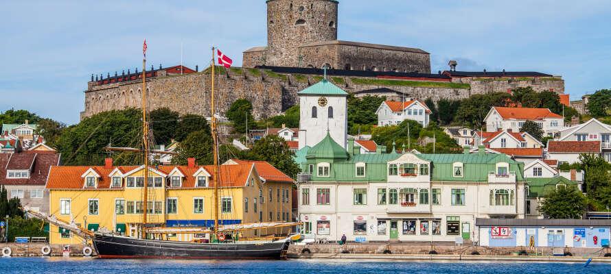 En af Marstrandsöns mest berømte seværdigheder er Carlstens fæstningen, hvorfra der også er en dejlig udsigt over byen.