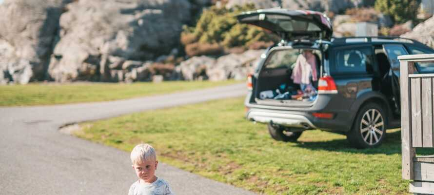 Pak bilen og skab uforglemmlige ferieminder med en kør-selv ferie til Hav & Logi