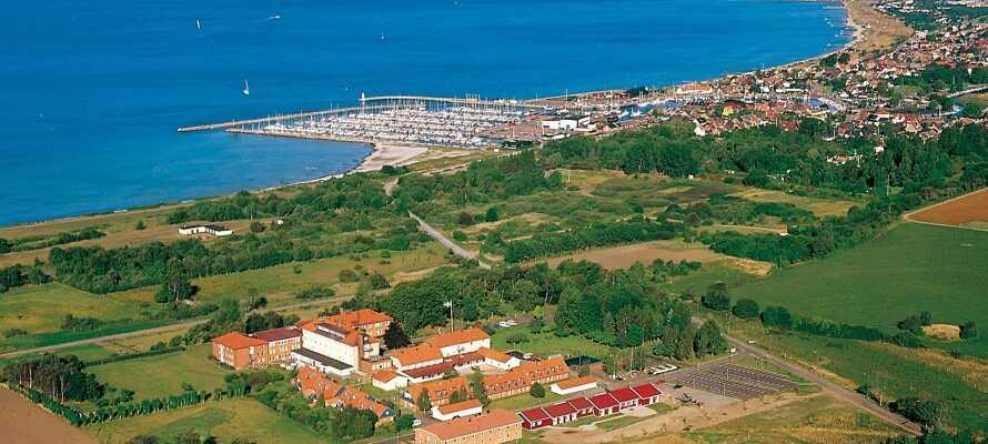 Sundsgården Hotell & Konferens har en fremragende beliggenhed tæt på havet på den skånske vestkyst