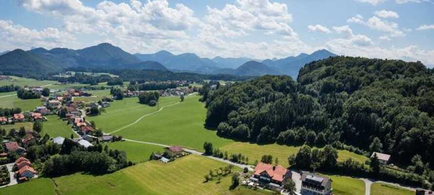 Hotellet ligger i den flotte region, Salzkammergut, som er kjent for sine innsjøer og skog