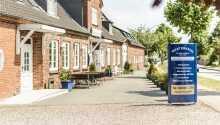 Familiedrevne Hotel Westerkrug ønsker velkommen til et hyggelig opphold i Schleswig-Holstein.