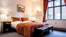 Eksempel på et av hotellets hyggelige og klassiske dobbeltværelser.