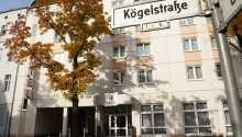 Hotellet har ett lugnt läge på en sidogata i nordvästra Berlin.