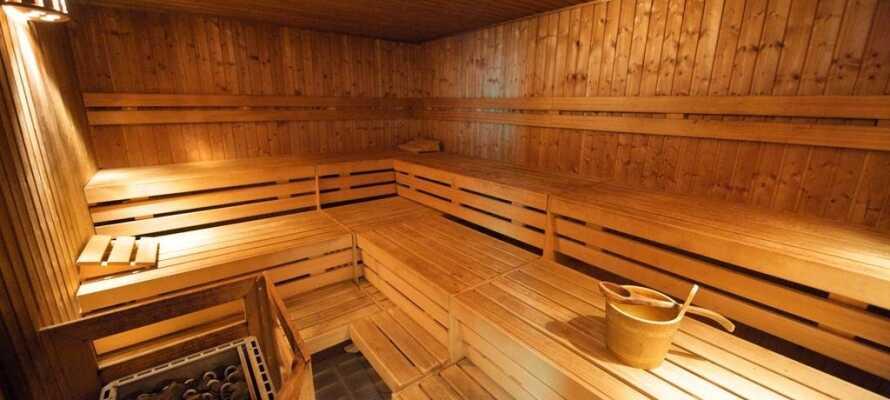 Efter en lang og spændende dag med oplevelser i Berlin kan I slappe af i hotellets sauna