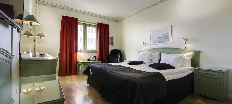Hotellrommene er komfortable og et godt utgangspunkt for et avslappende opphold i Småland.