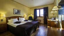 Hotellrommene er perfekte for å slappe av etter en lang dag i naturen.