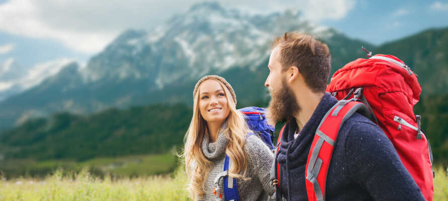 Passa på att tag er ut på vandring under er vistelse och utforska de natursköna omgivningarna.