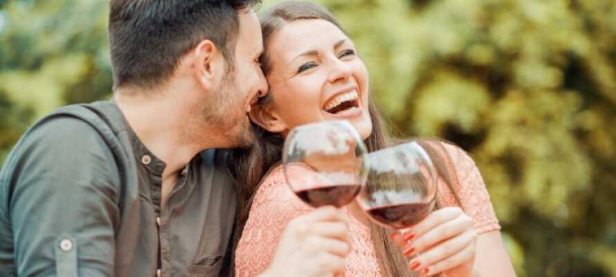 Der er lagt op til en herlig ferie med romantik, hygge og kvalitetstid i hotellets skønne omgivelser.