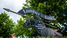 Das Lumber & Karle empfängt Sie in einer schönen und modernen Umgebung, 30 km von Südschwedens größtem See Vänern.