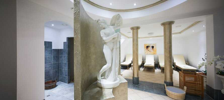 Das Hotel verfügtüber einen wunderschönen Wellnessbereich mit moderner Sauna und Dampfbad.