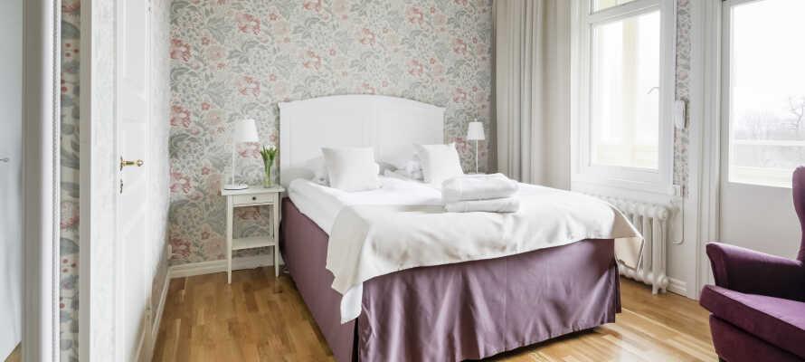 Die geräumigen Zimmer bieten Ihnen eine komfortable Umgebung.
