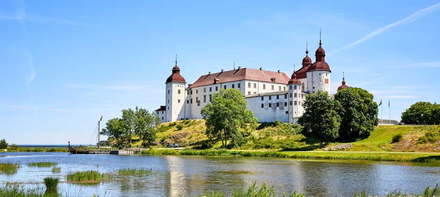 Besøg det svenske barokslot, Lacko, som ligger i Lidköping, direkte ud til Vänern.