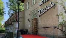 Varmt välkomna till Hotel Wictoria med centralt läge i Mariestad vid Vänern.