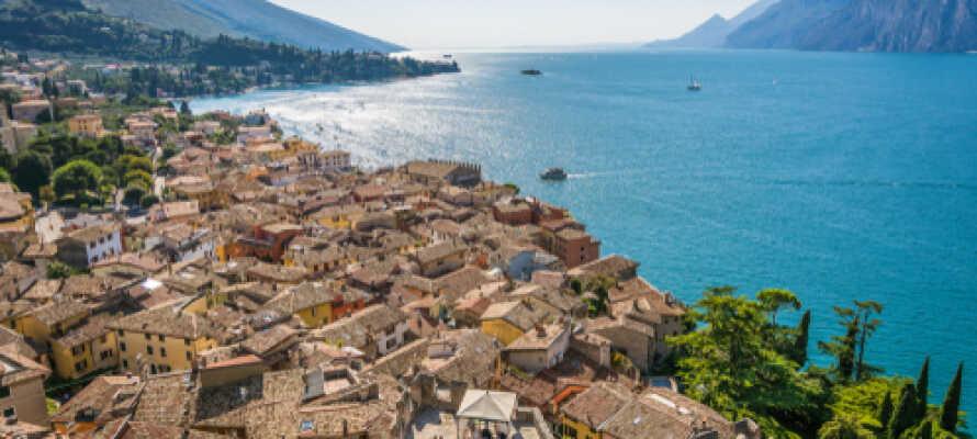 Malcesine ligger ikke langt fra Limone sul Garda. Her er det vanskelig å rive seg løs fra de vakre omgivelsene.