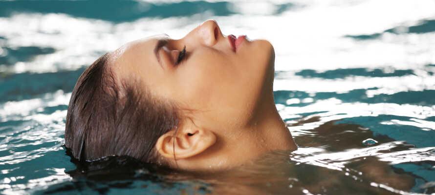 Den Wellnessbereich können Sie im nahe gelegenen Hotel Garda Bellevue kostenfrei nutzen