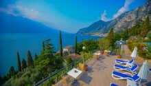 Das Hotel Villa Dirce genießt eine ruhige Lage direkt am Gardasee, etwas außerhalb des historischen Stadtkerns von Limone sul Garda.