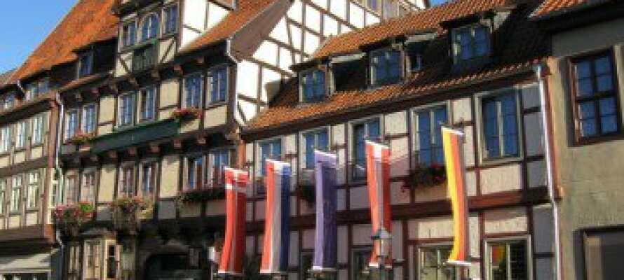 Hotellet ligger i en 300 år gammal byggnad och de historiska omgivningarna gör det till en spännande och annorlunda hotellvistelse