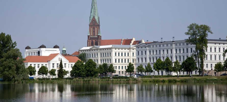 Schwerin är staden med många event som filmkonst-, vin-, och drakbåtsfestivaler