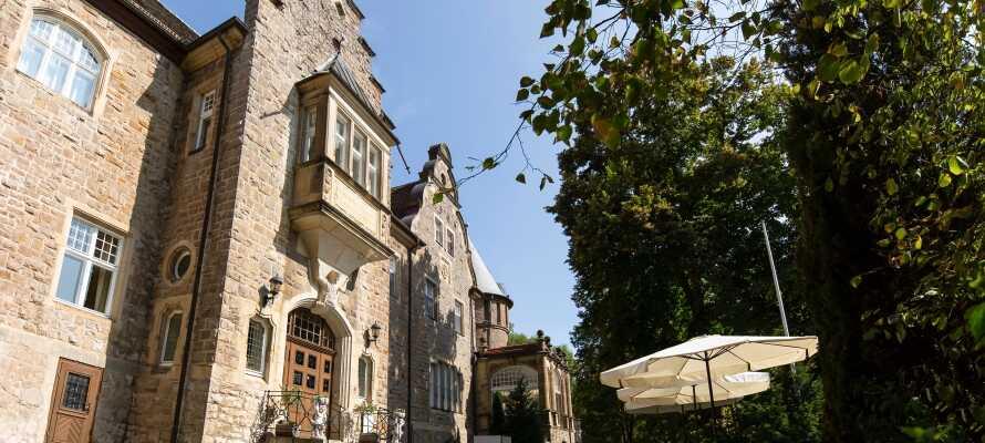 Ro og fred på ærverdige Ringhotel Villa Westerberge i naturskjønne omgivelser ved middelalderbyen Aschersleben.