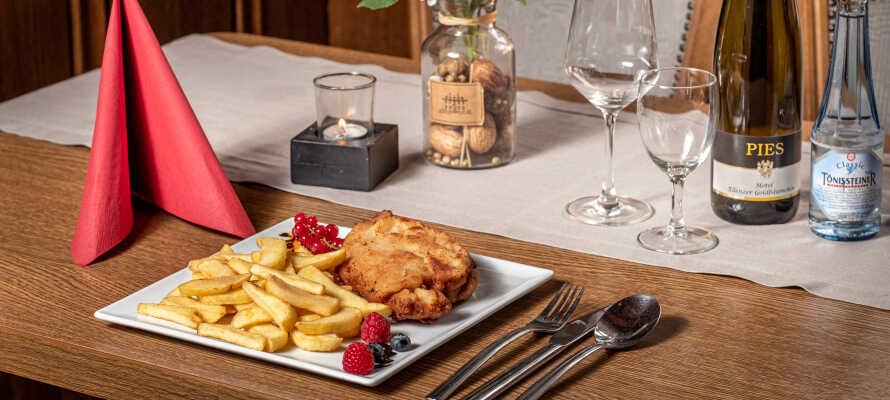 Genuss pur erwartet Sie im Hotelrestaurant mit regionalen und internationalen Gerichten.
