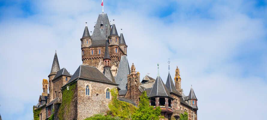 Missa inte att besöka och uppleva det imponerande gamla slottet Reichsburg Cochem under er semester.
