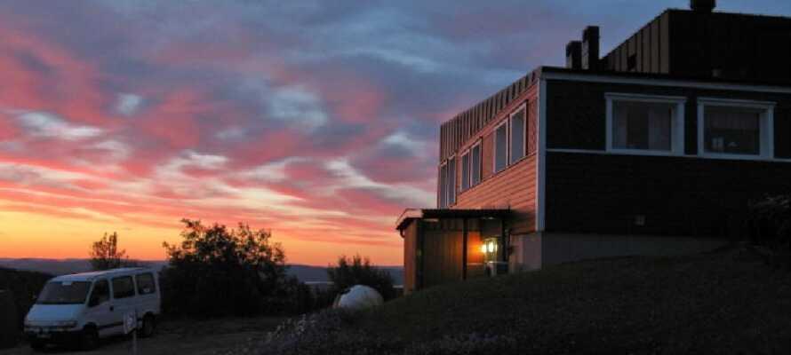 Genießen Sie Ihre Abende auf dem Långbergets, genießen Sie einen Drink und genießen Sie die Aussicht.