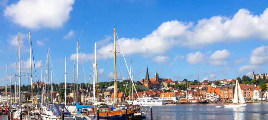 Flensborg ligger ungefär en timmes bilresa från Hotel Nordborg Sø och här hittar ni många affärer och restauranger