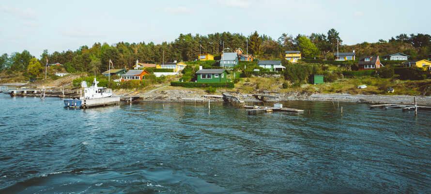 Tag en bådtur til den lille ø, Hovedøya, og nyd en frisk dukkert i Oslofjorden.
