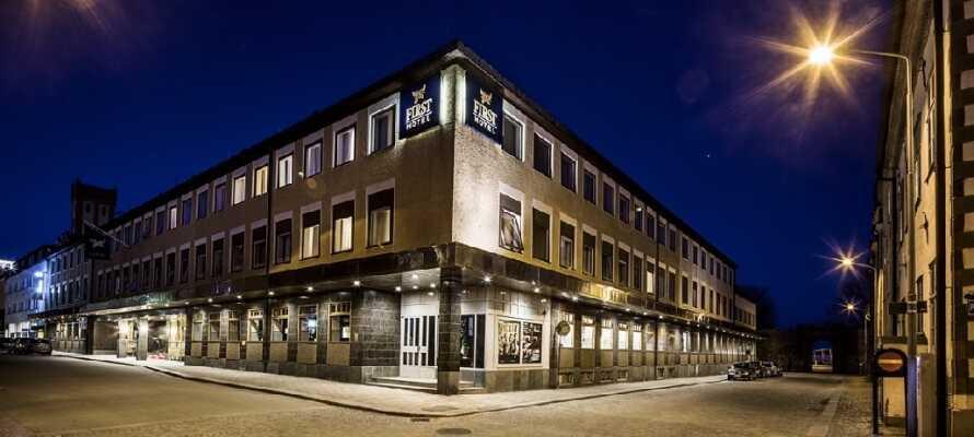 Moderna och stilfulla First Hotel Witt ligger centralt och med gångavstånd till många av Kalmars sevärdheter.