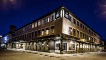 Moderna och stilfulla First Hotel Witt ligger centralt och med gångavstånd till många av Kalmars sevärdheter