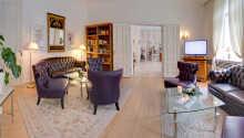 Hotellets elegante og stilfulde rammer indbyder til hygge og afslapning.