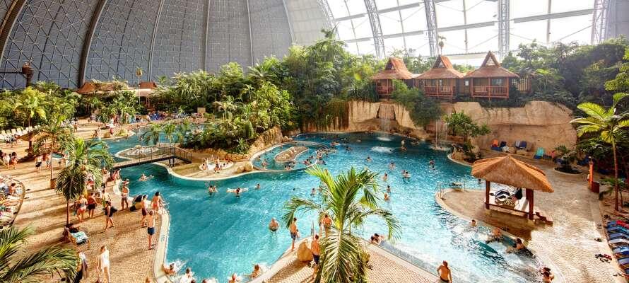 Dra på en uforglemmelig familieferie i verdens største innendørs badeland, Tropical Islands Resort!