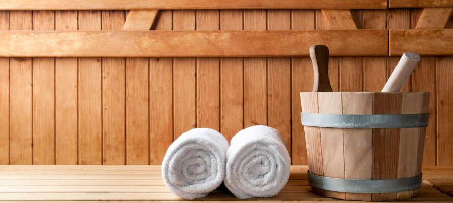 Das Hotel bietet schöne Wellnesseinrichtungen mit Sauna, Whirlpool und Solarium.