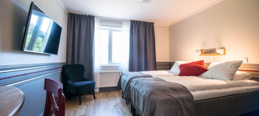 Alle værelser er lyst møbleret med komfortable senge og med garanti for en god nats søvn.
