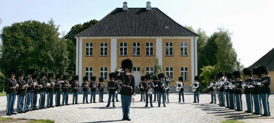 Oplev Gråsten hvor I både kan se slottet og palæet og gå en hyggelig tur gennem det historiske centrum.
