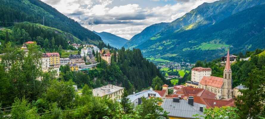 Den korte afstand til kurbyen, Bad Hofgastein, giver jer en central base for en  aktiv ferie kombineret med wellness.
