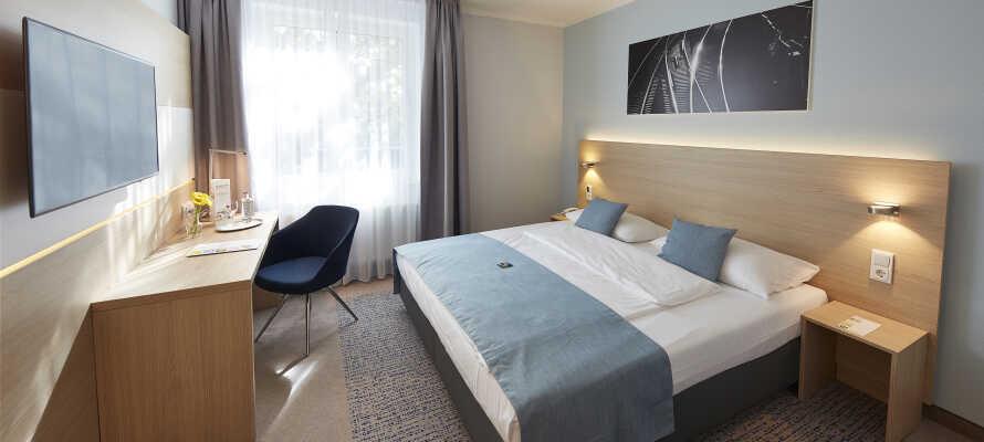 Die stilvollen und modernen Zimmer des Hotels sind alle klimatisiert und bieten kostenlose Sky-Kanäle.