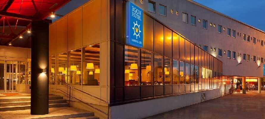 Egon Hotel Hamburg City ligger centralt i Hamburg intill nöjesgatan Reeperbahn.