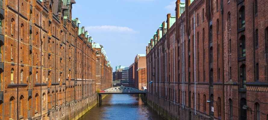 Det gamle pakkhuskvarteret, Speicherstadt, er forvandlet til en moderne bydel med mange fine museer og gallerier.