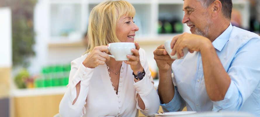 Hotelpakken omfatter en herlig og omfangsrig morgenbuffet med mange forskellige muligheder, eftermiddagskaffe og aftensmad.